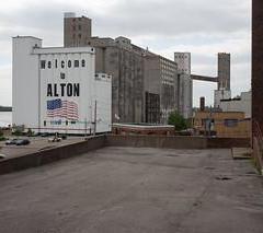 Luggage storage Alton