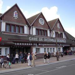 Consigna equipaje en la Gare de Deauville Trouville